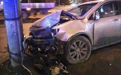 Два человека пострадали в ночном ДТП в Екатеринбурге