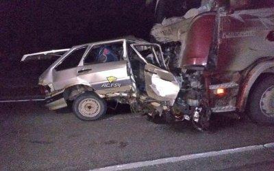 Водитель и пассажир ВАЗа погибли в ДТП с фурой в Новосибирской области