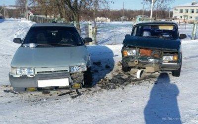 Под Волгоградом по вине пьяного водителя пострадали женщина и ребенок