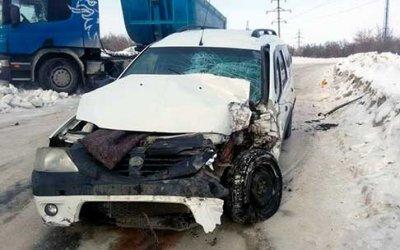 В Вольске в ДТП с грузовиком пострадал водитель легковушки