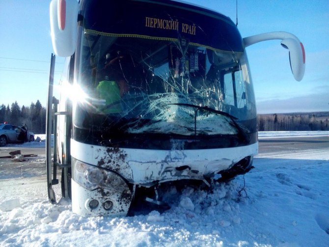 Водитель иномарки погиб в ДТП с автобусом на трассе Пермь – Чусовой (3)