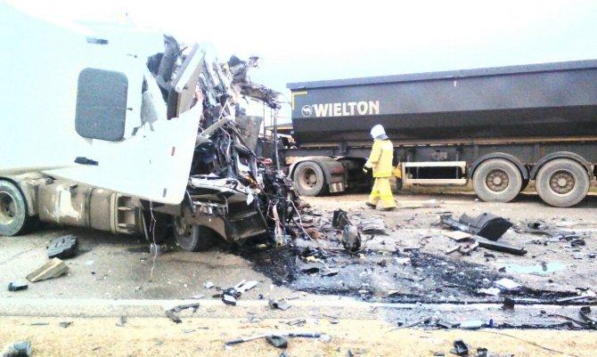 В ДТП с грузовиками на Кубани погибли два человека (2)
