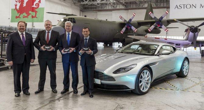 Aston Martin открывает завод в военном ангаре