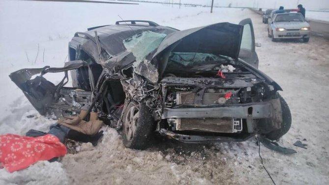 Пассажирка «Лады» погибла в ДТП в Марксовском районе Саратовской области (3)