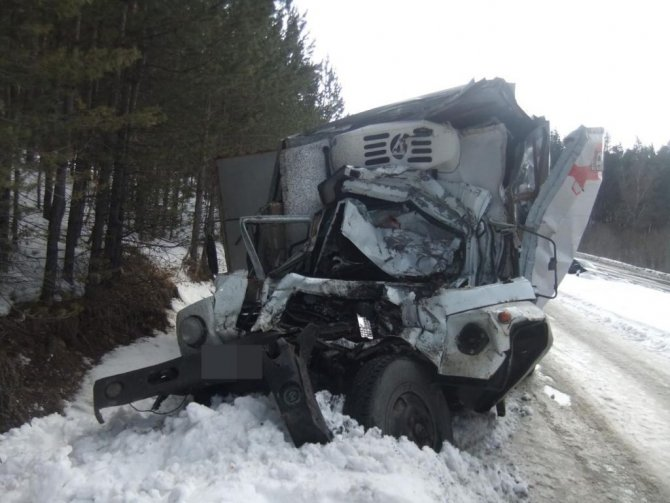В Башкирии в ДТП с грузовиками погиб человек (2)