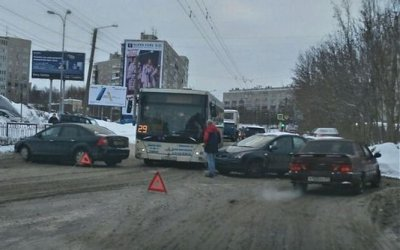 В центре Мурманска произошло крупное ДТП