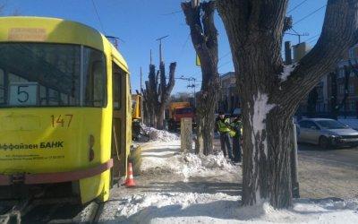В Екатеринбурге трамвай насмерть задавил мужчину