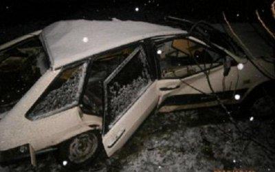 В Белореченском районе ВАЗ врезался в дерево – водитель погиб