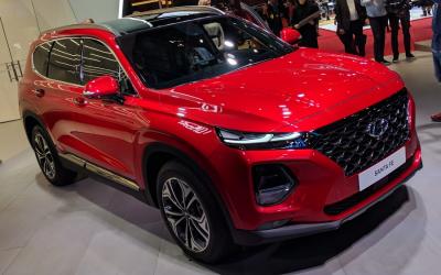 Новый Hyundai Santa Fe обещали привести в Россию уже осенью