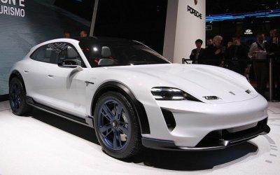 Porsche показала в Женеве версию нового серийного электрического кроссовера