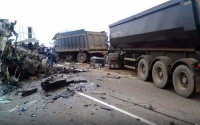 В ДТП с грузовиками на Кубани погибли два человека
