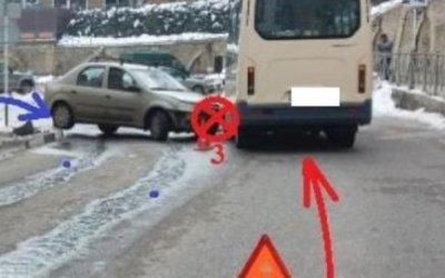 В Кисловодске в ДТП с маршруткой пострадали три человека