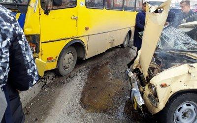 Семь человек пострадали в ДТП с автобусом в Симферополе