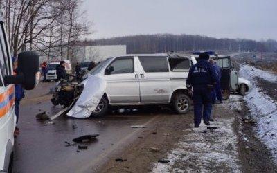 Один человек погиб в ДТП с грузовиком под Хабаровском