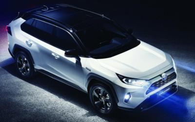 Наконец-то представлен кроссовер Toyota RAV4 нового поколения