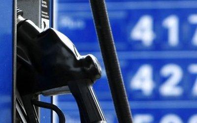 Российские АЗС торгуют себе в убыток: оптовые цены на топливо выросли, а розничные пока нет