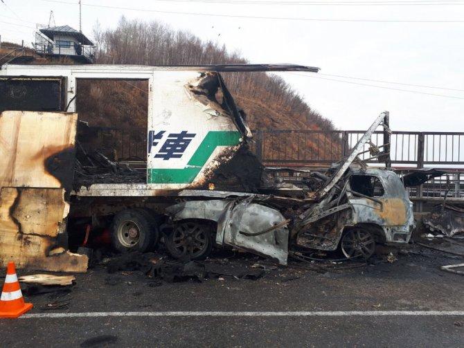 В Хабаровске два человека сгорели в угнанном «Лексусе»