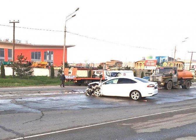 Под Анапой в тройном ДТП пострадал водитель