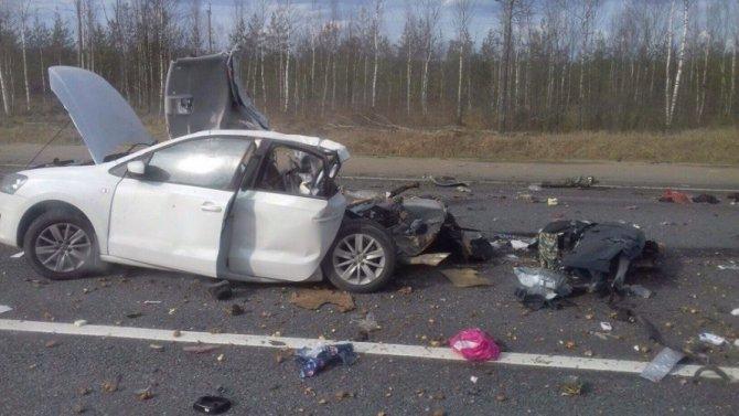 Три человека погибли в ДТП с грузовиком в Новгородской области (1)