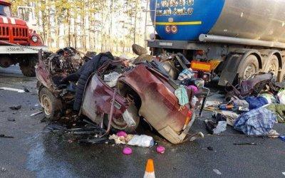 Два человека погибли в ДТП с бензовозом под Почепом
