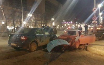 В центре Екатеринбурга в ДТП погиб мужчина
