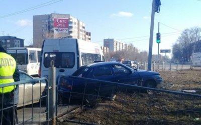 В Омске пьяный водитель устроил ДТП и сбежал