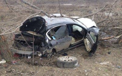 В ДТП в Балаковском районе Саратовской области погиб водитель иномарки