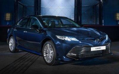 Новая Toyota Camry доехала до российских дилеров