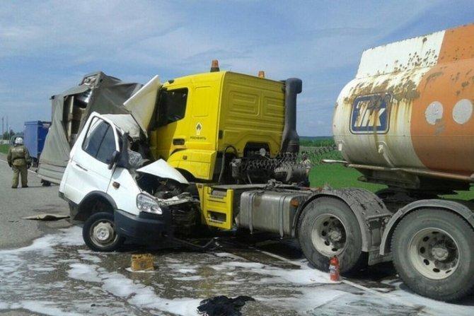 Молодой водитель «Газели» погиб в ДТП под Марксом