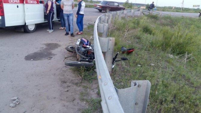 В Воронеже в ДТП пострадали школьники на мотоцикле