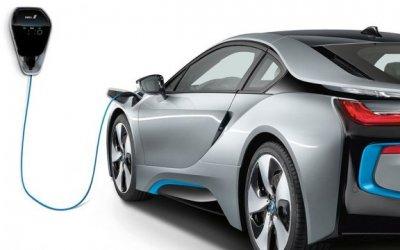 В BMW признали, что электрокары пока проигрывают традиционным автомобилям