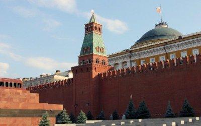 Автомобили «Кортежа» назвали вчесть башен Кремля: неожиданный символизм