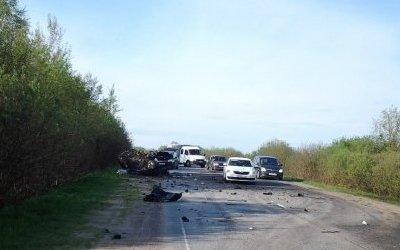 В ДТП в Ленобласти погибли двое мужчин и две девочки