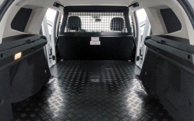Из Renault Duster убрали все сидения и стали продавать как грузовик