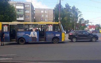 Шесть человек пострадали в ДТП с автобусом в Иванове