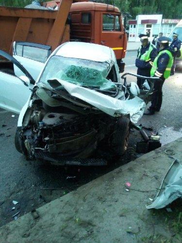 22-летний водитель иномарки погиб в ДТП во Владимире