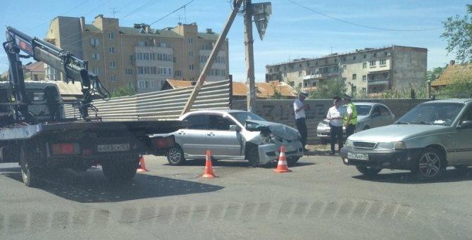 Мать с сыном пострадали в ДТП в Астрахани (2)