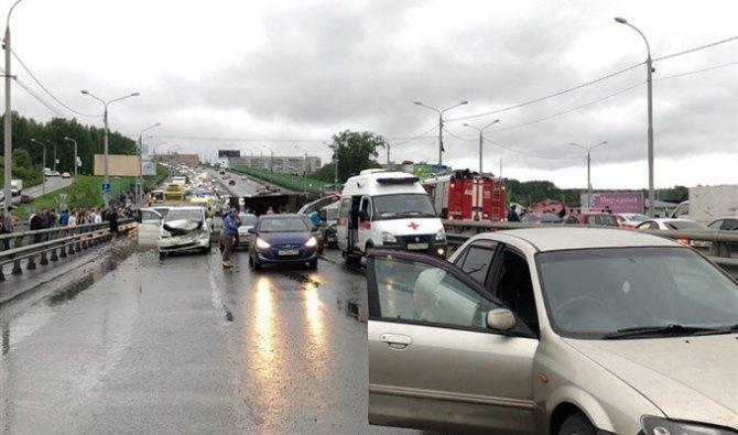 Более 10 автомобилей попали в ДТП в Томске (4)