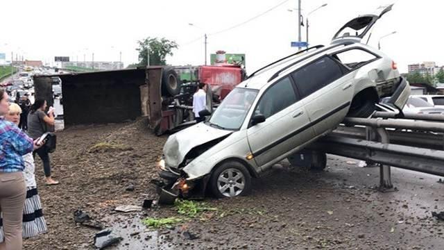Более 10 автомобилей попали в ДТП в Томске (7)