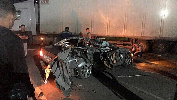 Четыре человека погибли в ДТП с фурой в Подмосковье (3)