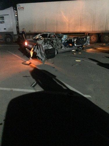 Четыре человека погибли в ДТП с фурой в Подмосковье (1)