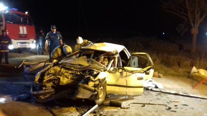 Пять человек погибли в ДТП с грузовиком в Крыму (1)