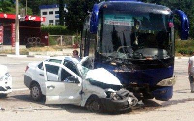 В ДТП с автобусом в Алуште погиб человек