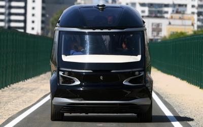 КАМАЗ показал беспилотный электробус и пообещал выпустить беспилотный грузовик