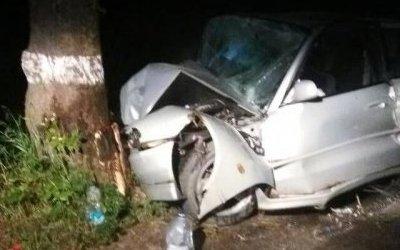 Под Калининградом иномарка врезалась в дерево – водитель погиб