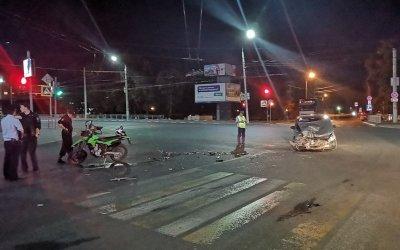 Два человека пострадали в ДТП с мотоциклом в Туле