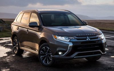 Внедорожники Mitsubishi Outlander и Outlander PHEV: самые эффективные и экономичные