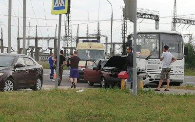 Три человека пострадали в ДТП с автобусом в Твери