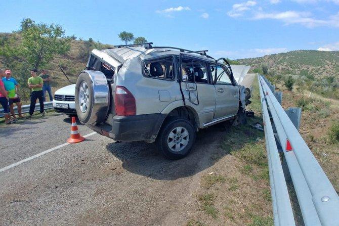 Шесть взрослых и пять детей пострадали в ДТП в Крыму (1)