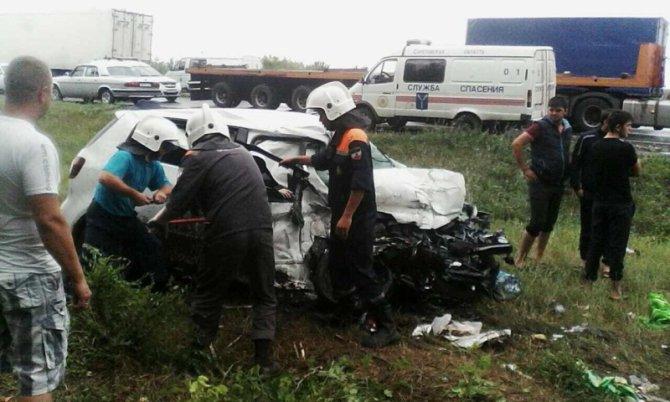 Два человека погибли в ДТП с фурой под Вольском (1)